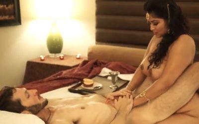 Sensuele sex met een mooie gescheiden milf uit India